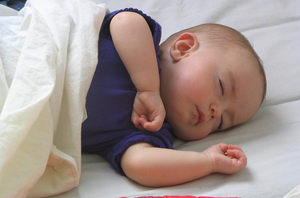 Dbanie odobre spanie niemowląt